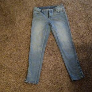 White house black market Jean's